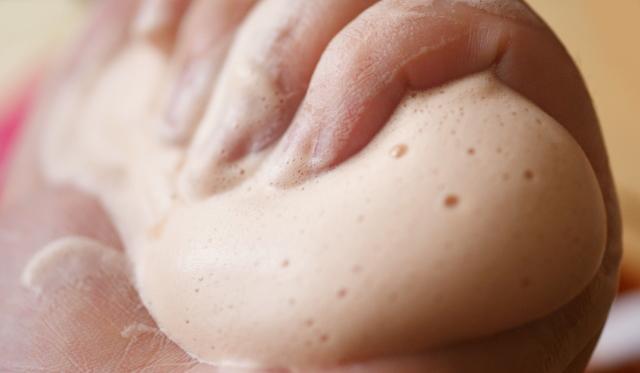 毛穴の開き 洗顔方法
